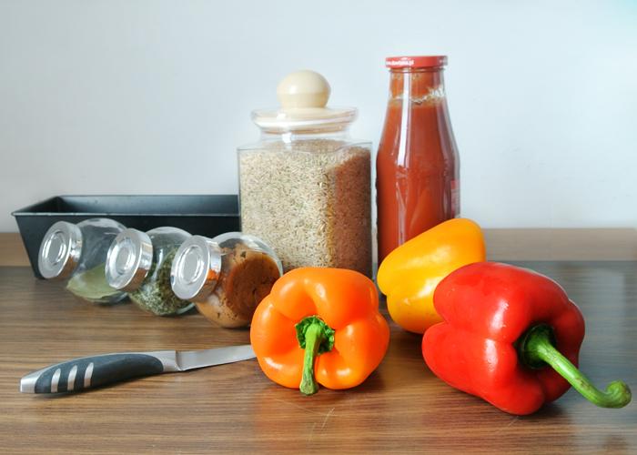 składniki: papryka, ryż, sos