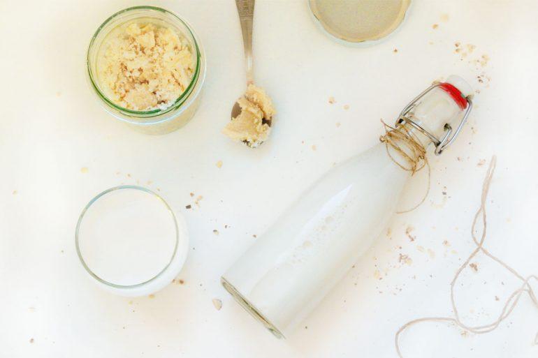 mleko roślinne z migdałów